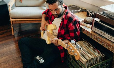 Fender Introduces Beg. Bass Lessons, New 2018 Models